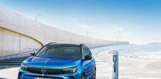 Opel Grandland, restyling in autunno: novità e caratteristiche principali