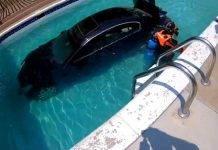 auto in piscina