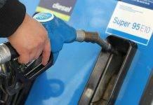 Benzina, carenza in Inghilterra: assalti e file alle pompe. Il motivo
