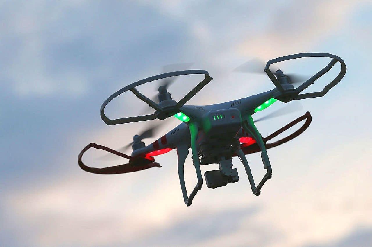 Il Drone a pannelli solari con autonomia da record: caratteristiche e dettagli